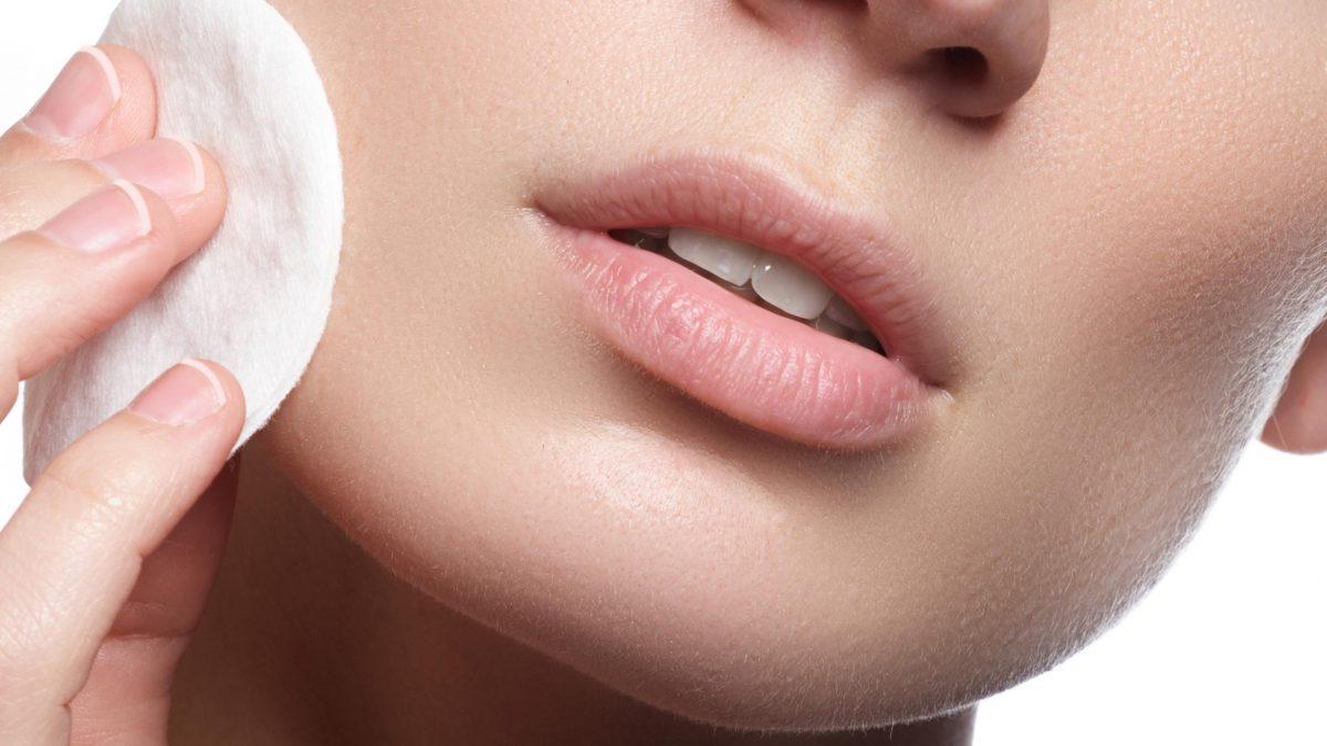 میسلار واتر چیست و چه تاثیری روی پوست دارد؟