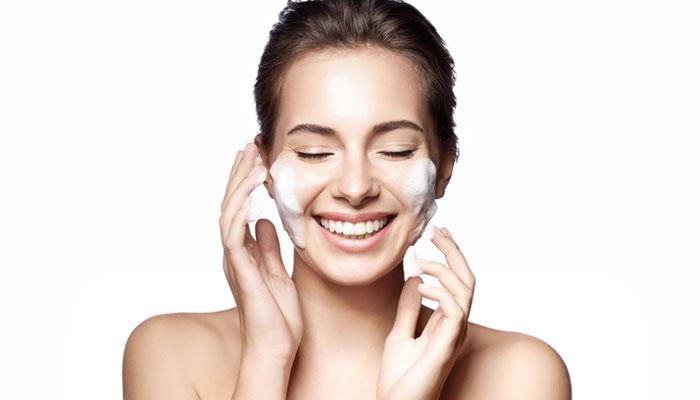مزایای استفاده از پاک کننده صورت و معرفی بهترین پاک کننده ها