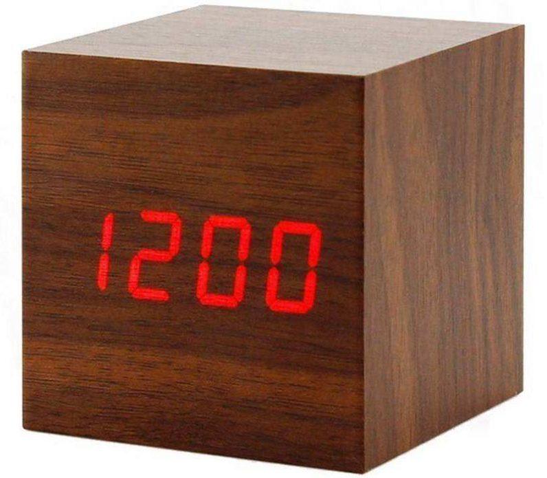 کادو برای مهندس ساعت رومیزی دیجیتال مدل وودن کلاک مکعبی