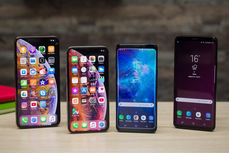 تلفن های همراه و تلفن های هوشمند با صفحه نمایشگر OLED