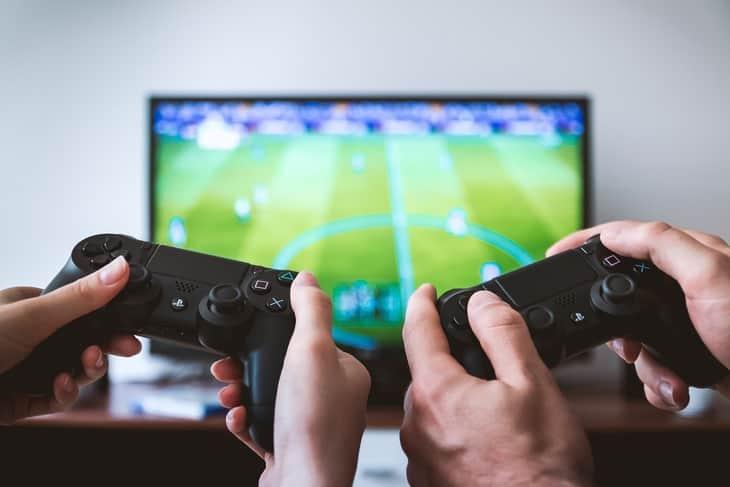 مزایای بازی های ویدئویی یا کنسول های بازی برای کودکان و بزرگسالان